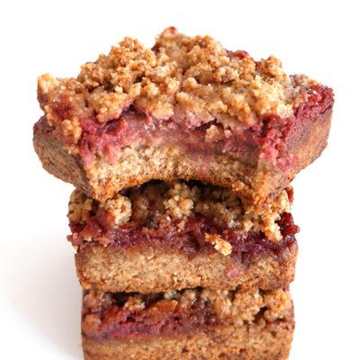 5-Ingredient Strawberry Cashew Crumble Bars