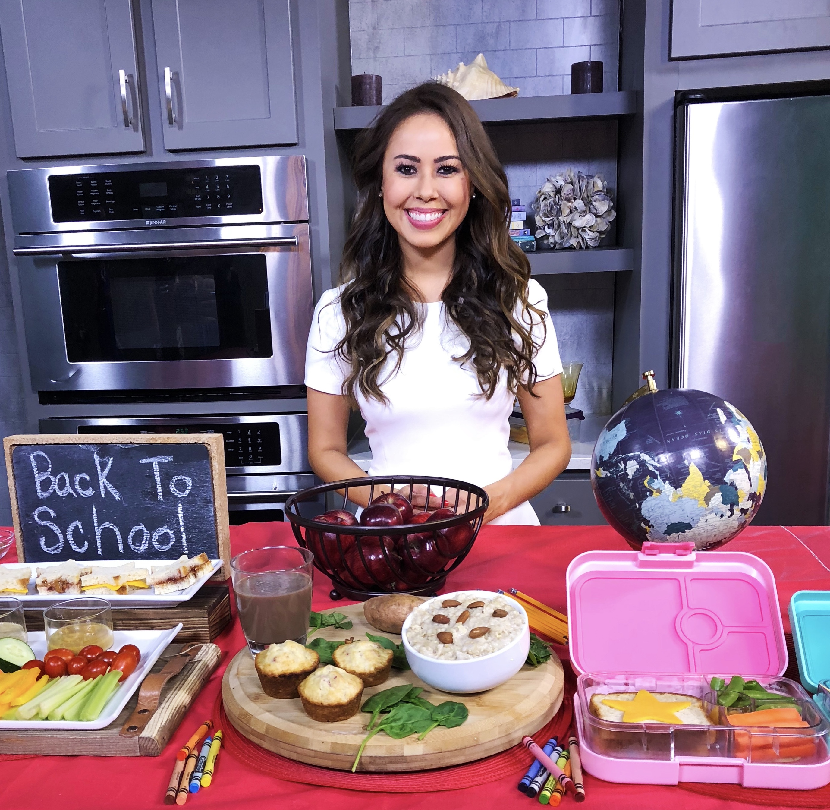Registered Dietitian Nutritionist Mia Syn Healthy Back To School TV ,Sneakz Organic, Borden Cheese, Sunsweet Fruit Packs, O'Dang Hummus, Canyon Bakehouse