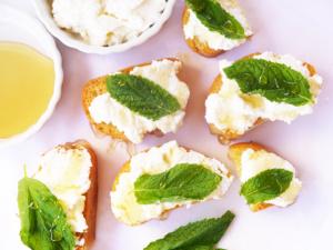 Honey Mint Crostini