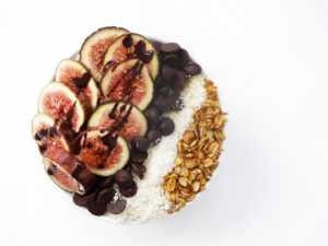 Chocolate Fig Smoothie Bowl