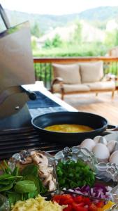 Summer Brunch: Omelet Bar